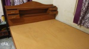 """A wooden head box bed 6/6.6"""".urgently selling"""