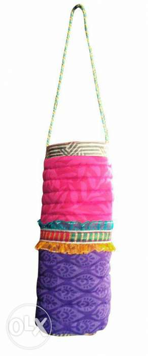 It's a fresh new hand made hanging bag...use in