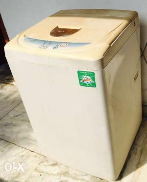 White top load Lg washing machine 6kg fully