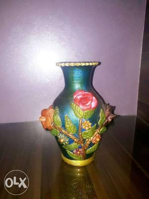 Blue And Pink Flower Embossed Vase