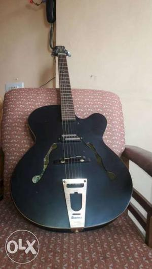 Jazz Guitar for Sale.Can be connected to