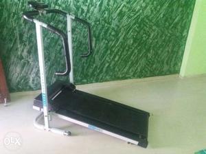 Treadmill machine (fitness world active) new