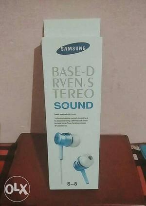 Brand new Samsung earphones