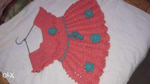 Hand made woolen frock for 1 to 5 yrs old girl..