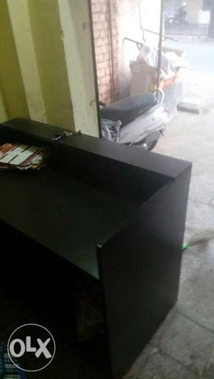 We have a shop counter for sale, it's brand new