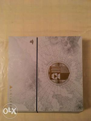 PlayStation 4 Collector's Edition Destiny Bundle