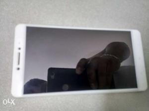 Good condition MI Max 32gb for sale. With