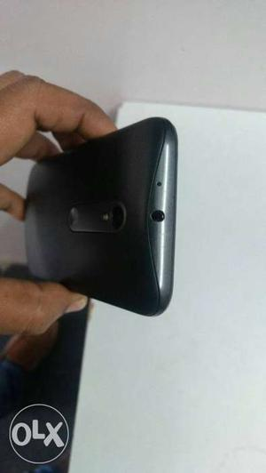Moto g3 good condition, no scratches, with good