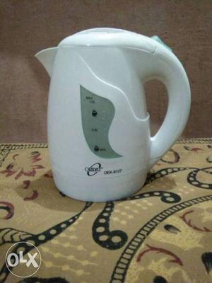 Very new ORPAT cordless 1L electric kettle.