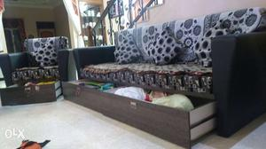 Sofa set with drawers and free delivery in 5 Kms