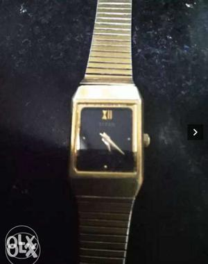 Square Black Faced Analog Watch With Gold-colored Link