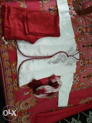 Boys sherwani size 3..suitable for 3 to 4 years