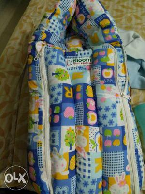 New baby carrier can be used till 6_7 months
