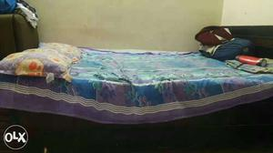 3*6 size single bed with storage.