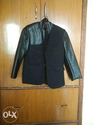 Boys party wear coat size 7 to 8 years..