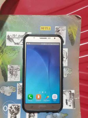 Samsung galaxy j7 dual sim in excellent condition