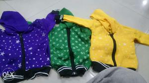 I am sell kids wear jackets and tracks branded