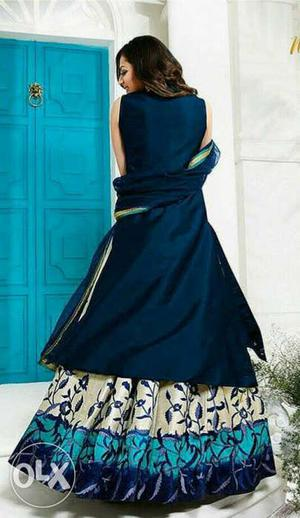 Women's Blue And Gray Floral Sleeveless Gown
