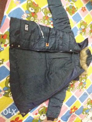 Black Zip-up Bubble Jacket