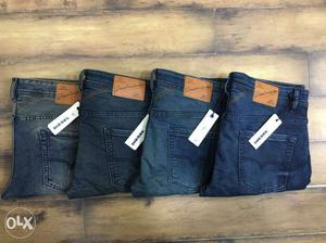 Branded Export Surplus Jeans at wholesale price.