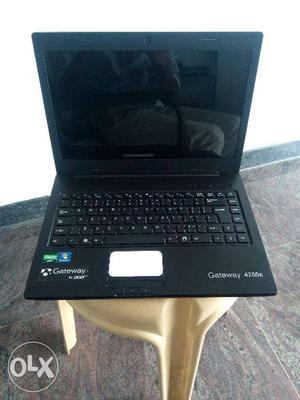 Acer laptop 500gb hard disk 2gb cd drive wifi 3
