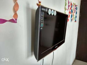 Samsung series 4 26 inches LCD TV with very good