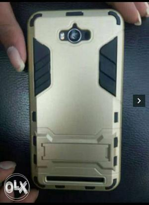 Asus ZenFone max in good condition With 8 months warrenty