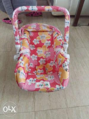 A basket bouncy for new born upto 8 months baby