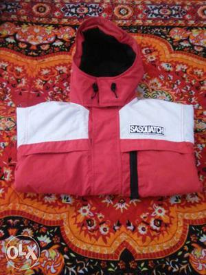 Branded jacket.. price fix hai.. use nhi hua hai..