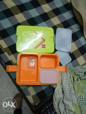 If u can buy such Lunch box in bulk than cont me