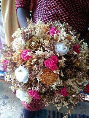 White And Brown Artificial Rose Flowers Centerpiece