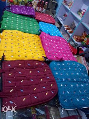 Hand bags & purses for all beautiful ladies