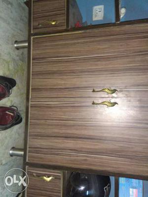 Wooden rack in best condition. it has 2 big