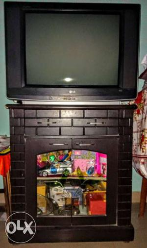 29' Flatron XD LG TV + Wooden cabinet stand