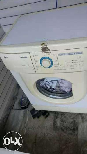 LG fully automatic washing machine in excellent working