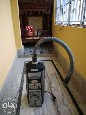 Black And Gray Vacuum cleaner Eureka Forbes