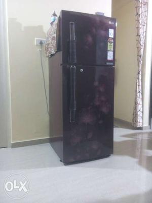 LG 4 star 258litter fridge in good condition 3