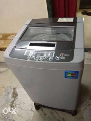 Lg Fully Automatic Washing Machine 7kg. Good