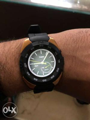 No.1 G5 Smart watch with 2 extra downloded face
