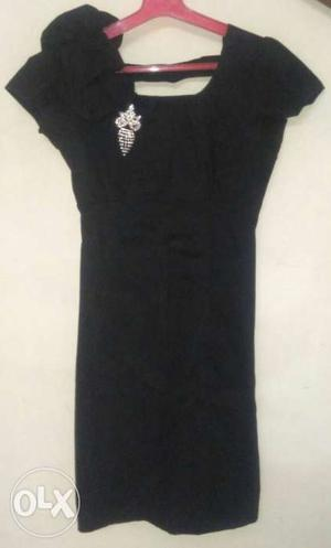 Black gown for sale, exact price is Rs