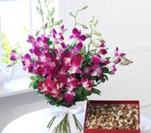 Book Flowers Online for Valentine's Day Delhi