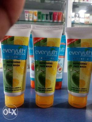 Everyuth cream face wash in 10% discount