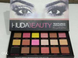 Huda Beauty Textured With Box Rose gold pallete