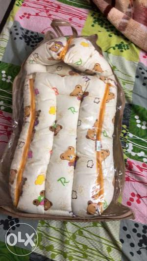 Baby carrier for less than 6 month old baby. it's