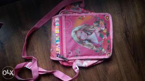 Cute little hand bag for kids. Pink colour! Good