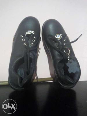 ACME safety shoes.. brand new unboxed 1pair of
