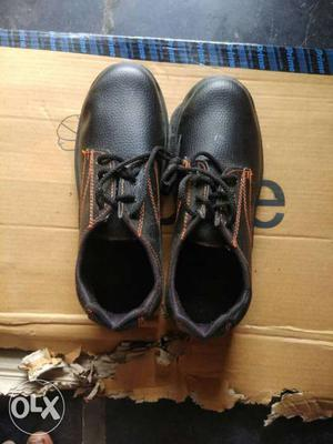 9 safety shoes oil & acid & shock proof shoes