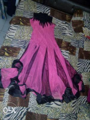 Black And Pink Pleated Sleeveless Gown