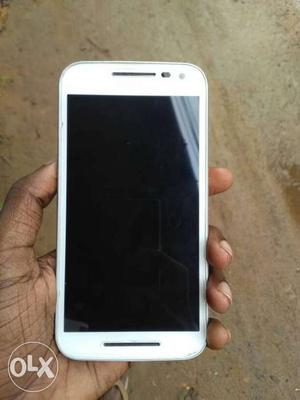 Moto G3, gud Condition, full box and papers,