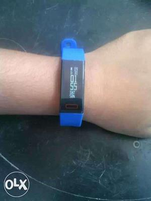This is boltt beat smart band with box and bill 2